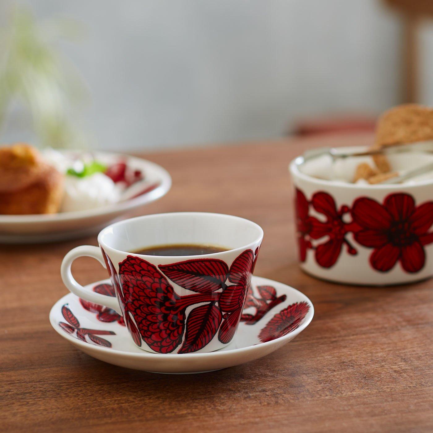 スティグ・リンドベリ 磁器のコーヒーカップ&ソーサー〈レッドアスター〉