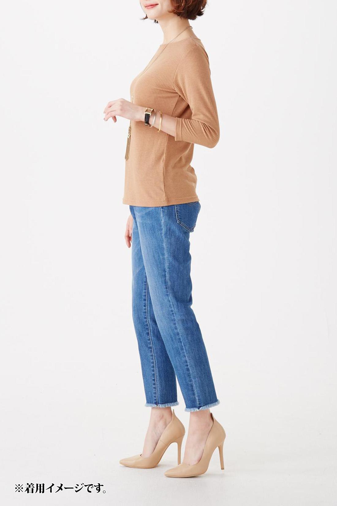 丈感の参考に。 モデル身長:165cm 着用サイズ:M ※お届けするカラーとは異なります。