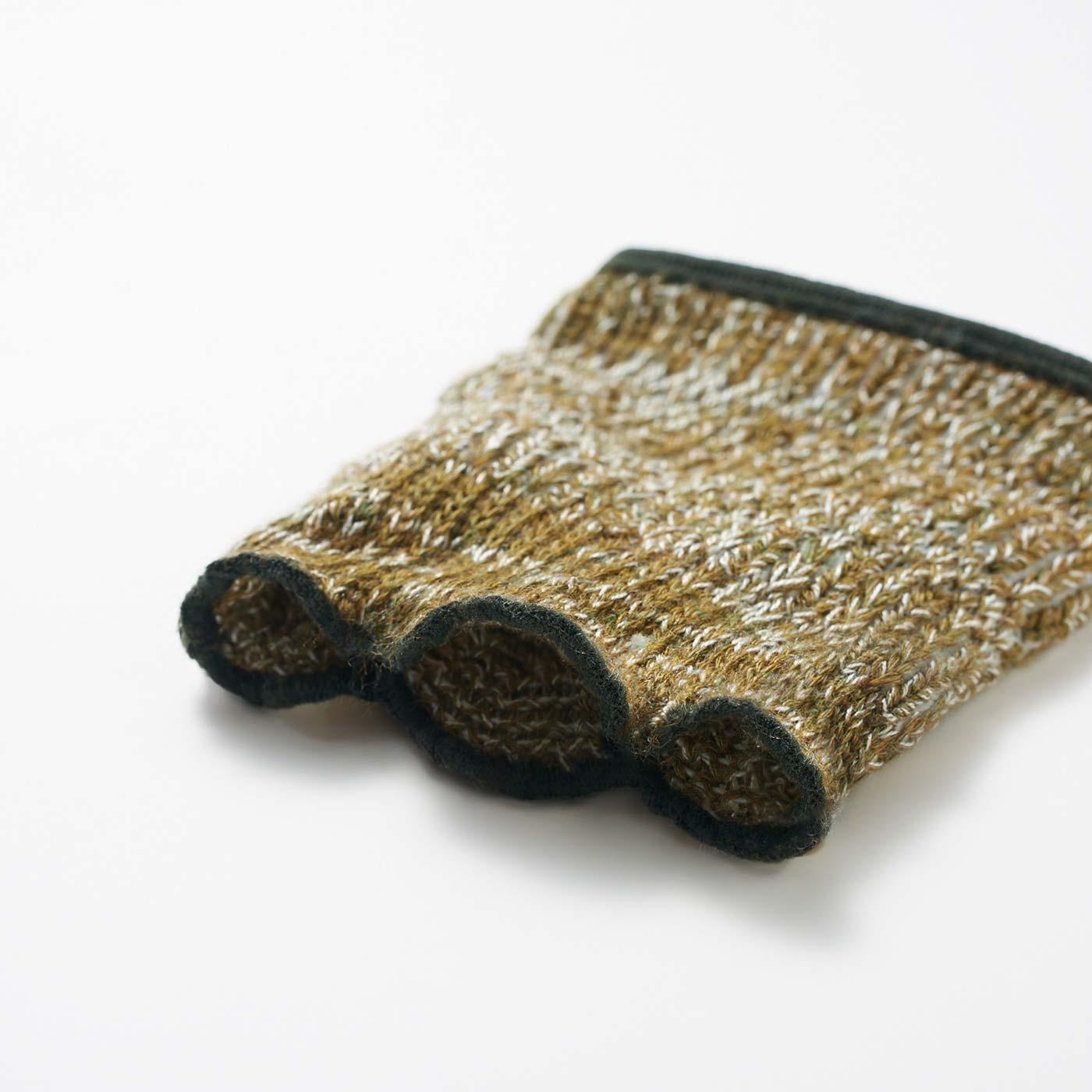 足先は伸びのよいメロウ仕上げ。風合いのある編み地も涼やか。