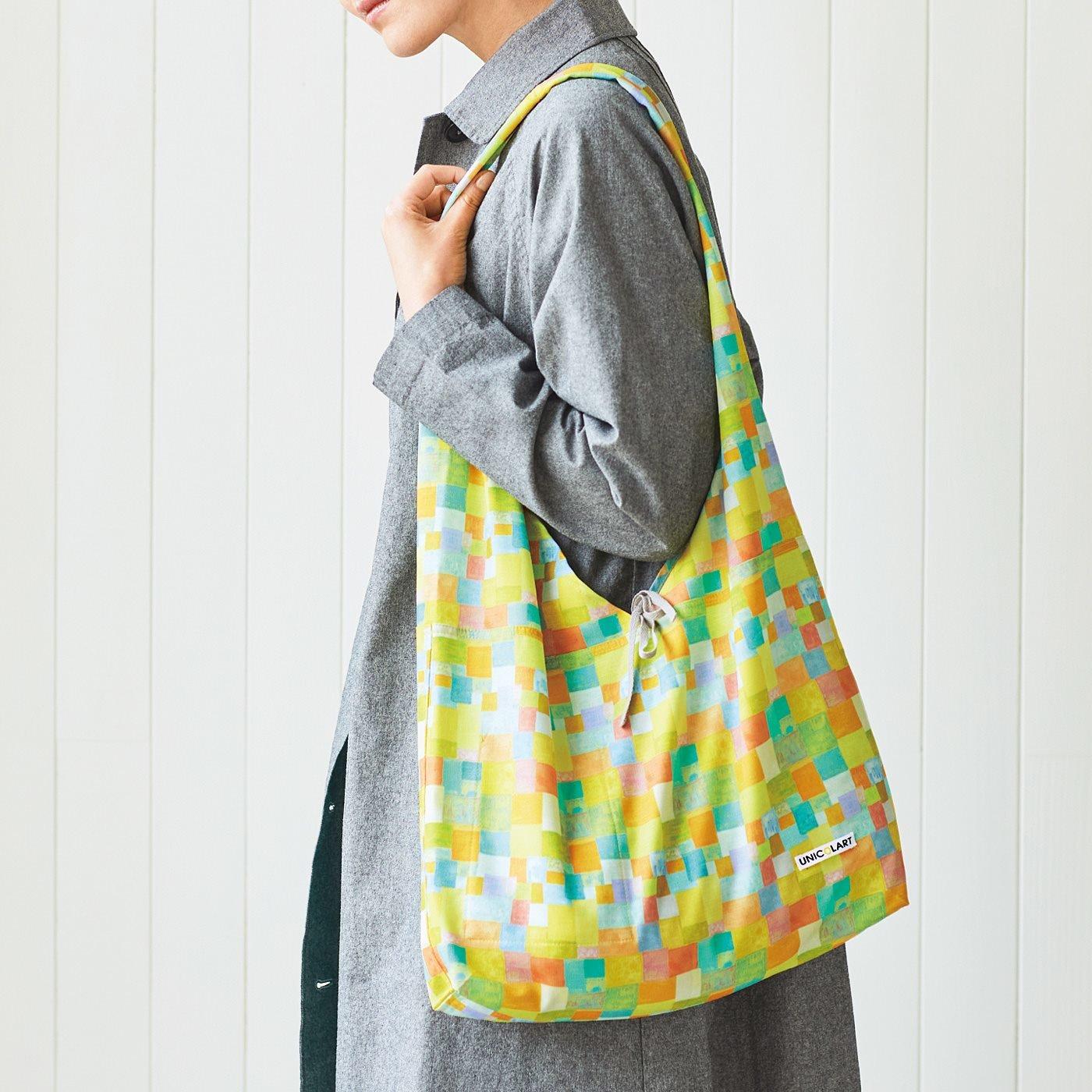CCP ユニカラート アートがコーディネイトのアクセントになるたっぷりテキスタイルバッグ