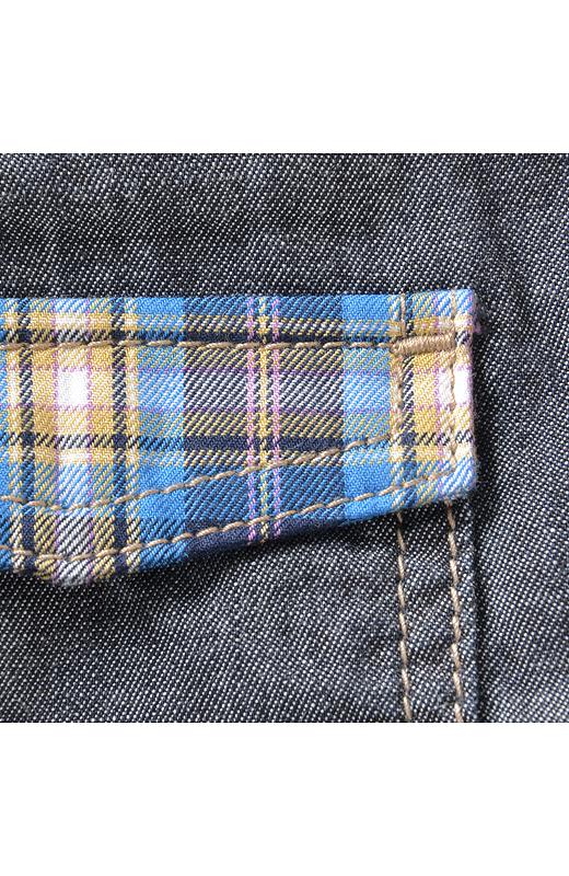 胸ポケットのフラップはあたたかみのあるチェック。