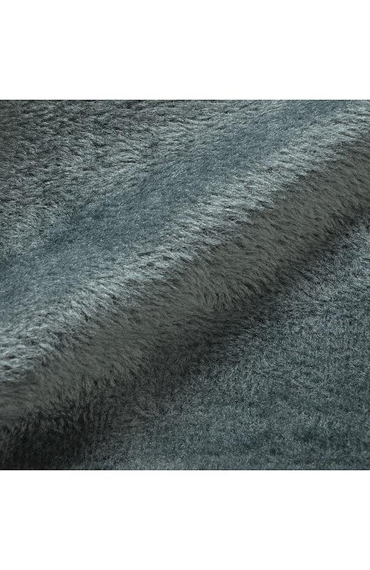 スウェットの内側をファーのように起毛させた素材。