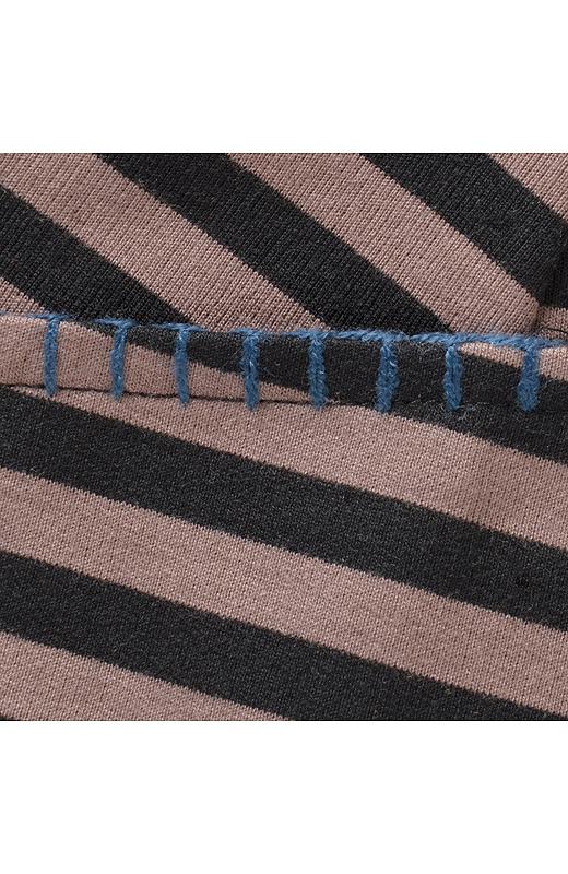 ポケット口には配色ステッチでキュートなアクセント。