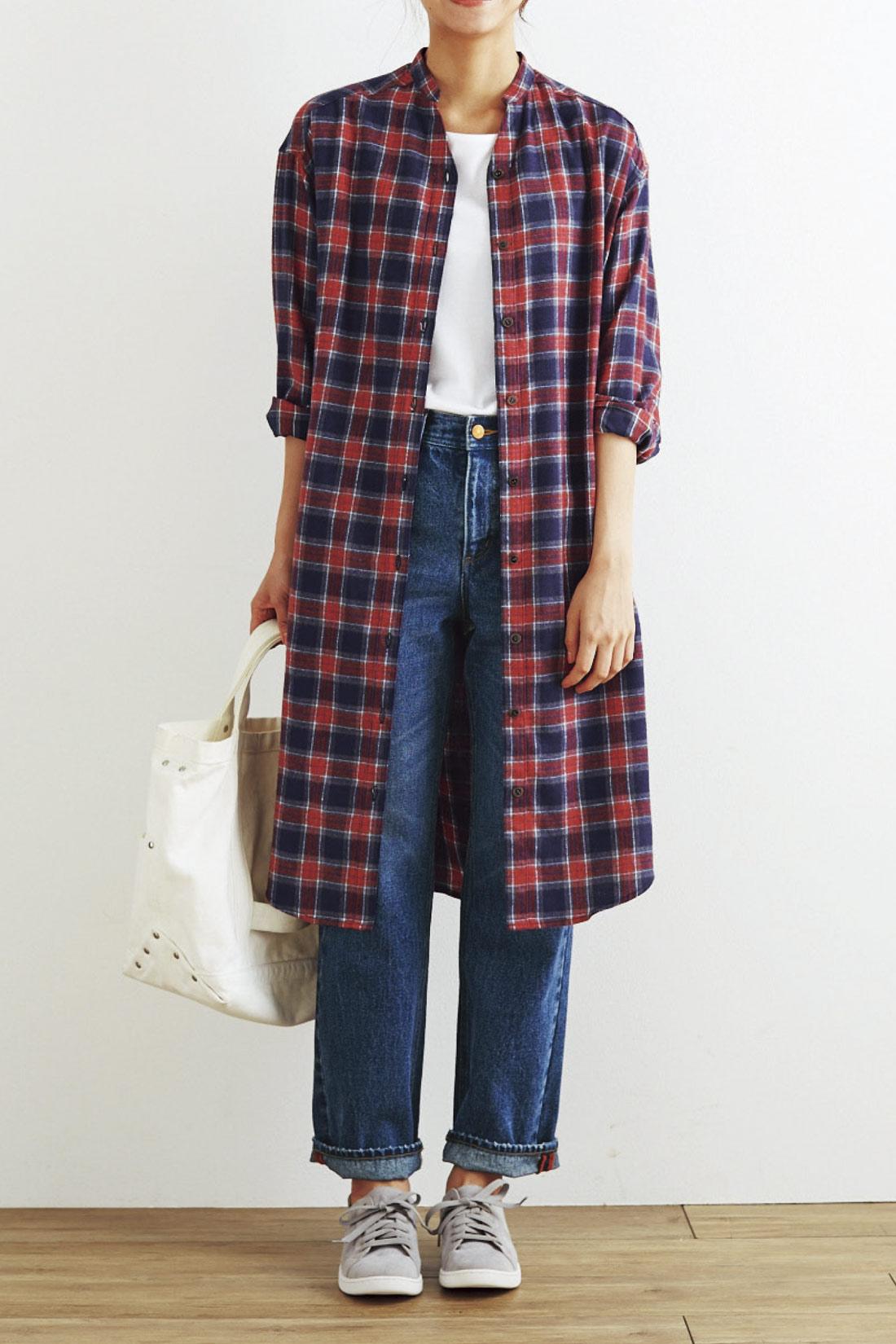 Tシャツの上にはおって、寒くなる前のコート代わりにも。※着用イメージです。お届けするカラーとは異なります。