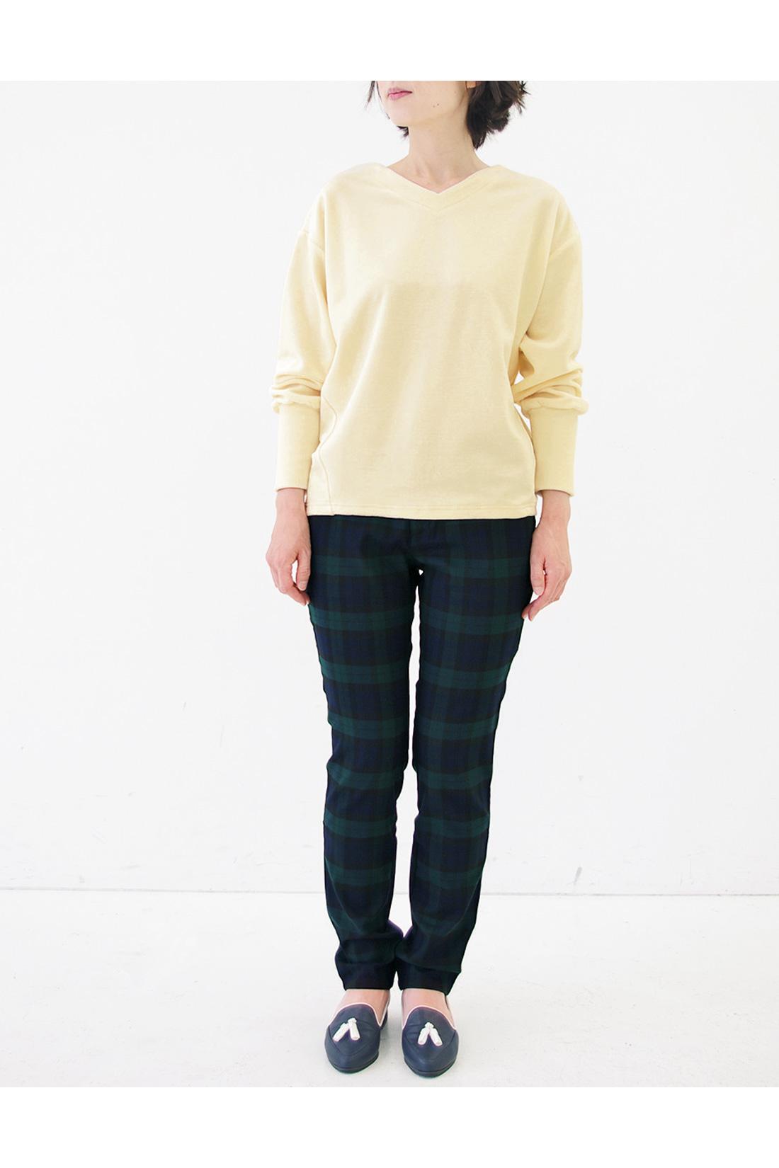 身長159cm/股下70cm/ウエスト64着用 ※着用イメージです。お届けするカラーとは異なります。