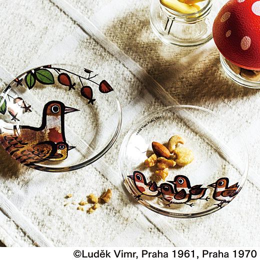 チーズ×ネズミ、野菜スティック×ウサギなど、のせるものに合わせてお皿のデザインをセレクトしても楽しい。