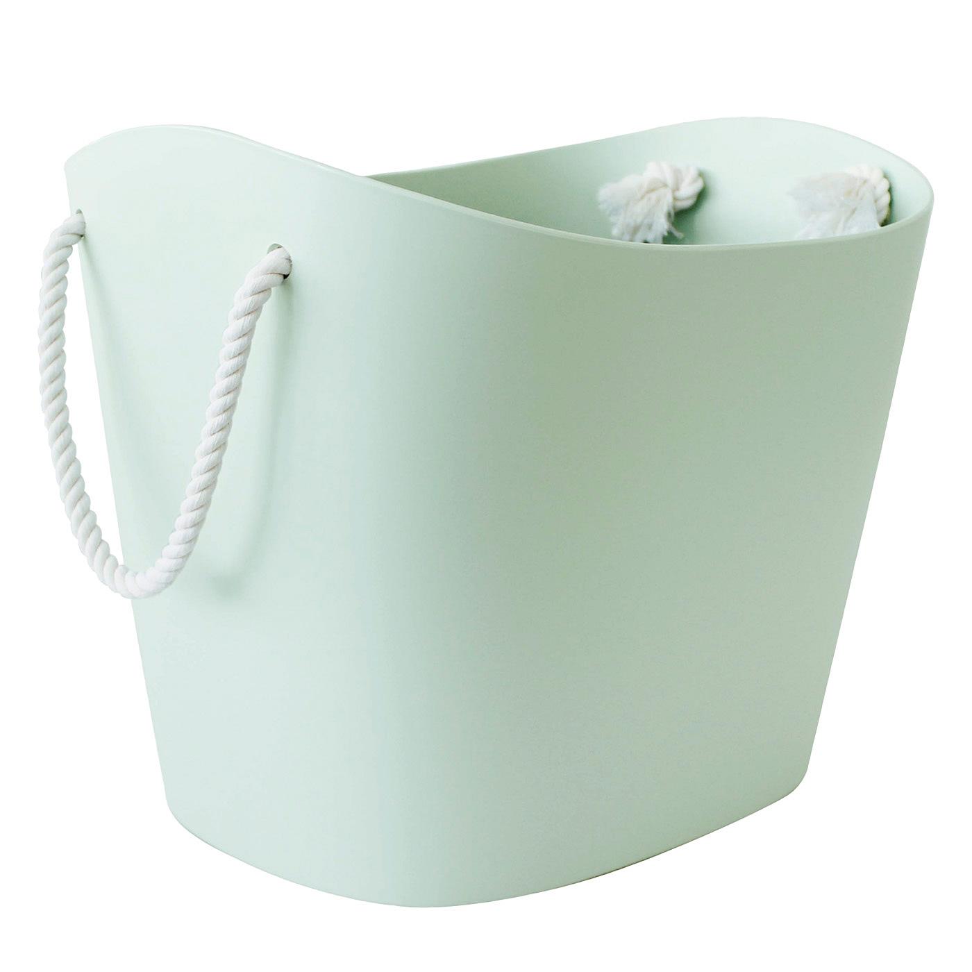 素材は水にも強いポリエチレン。水まわりアイテムの収納にも便利。
