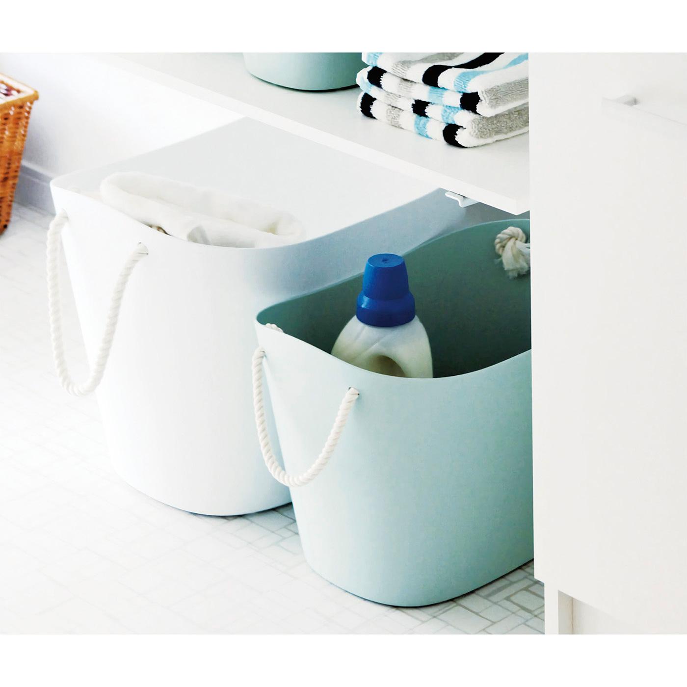 ランドリースペースで洗濯物や洗剤の収納も。