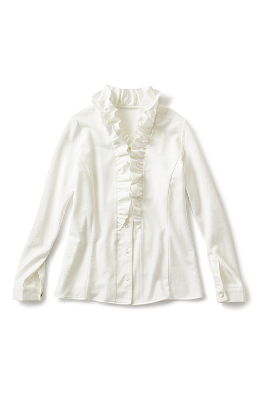 着心地にひびかない胸もとのフリルは布はくに。ジャケットのインにして映える立体的なフリルデザインにご注目。センターへと目線を集めるフリル効果やサイドの切り替えで、ほっそり見え。
