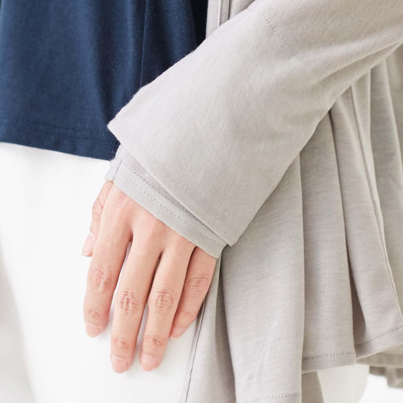 親指ホールを隠せる二重仕立て。