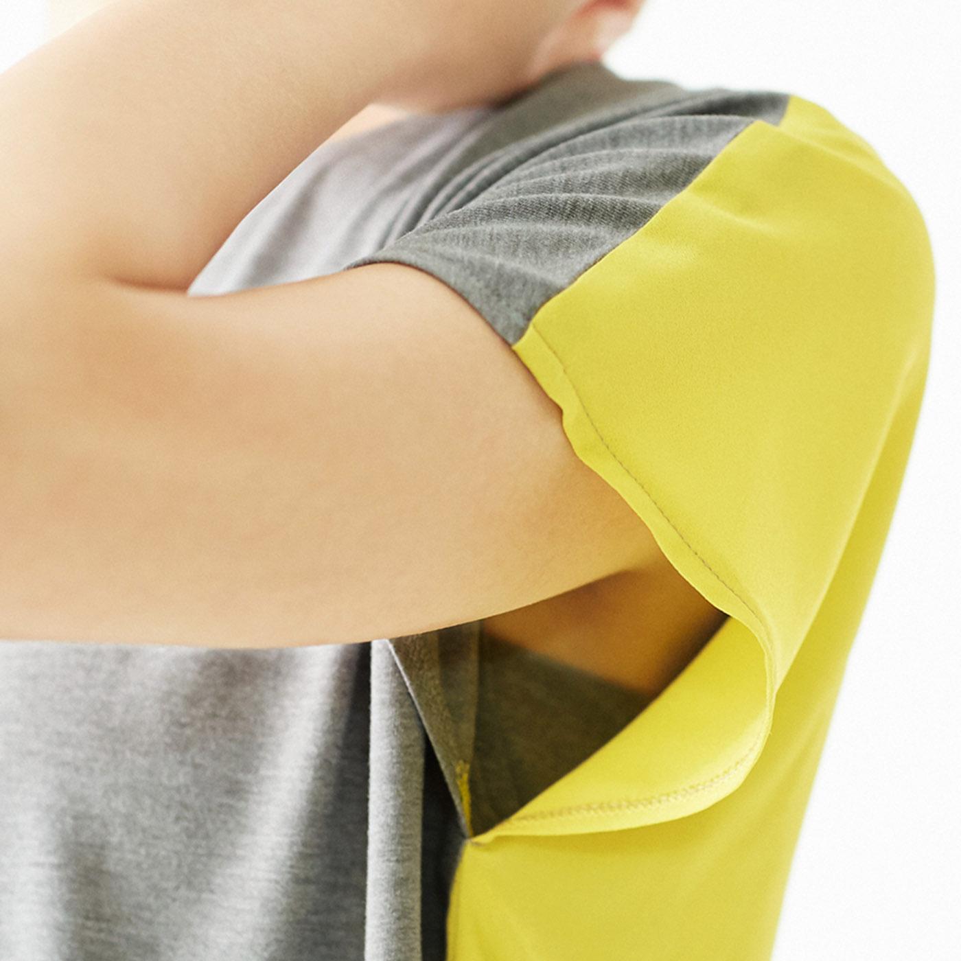[汗止めでチラ見えガード]タンクトップ部分のわきは、チラ見え防止と汗止めを兼ねた安心の当て布仕様。