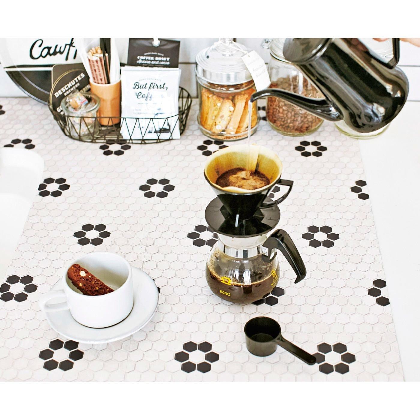 【2個セット】貼るだけでカフェ風に ヘキサゴンタイルシート〈ホワイト〉の会