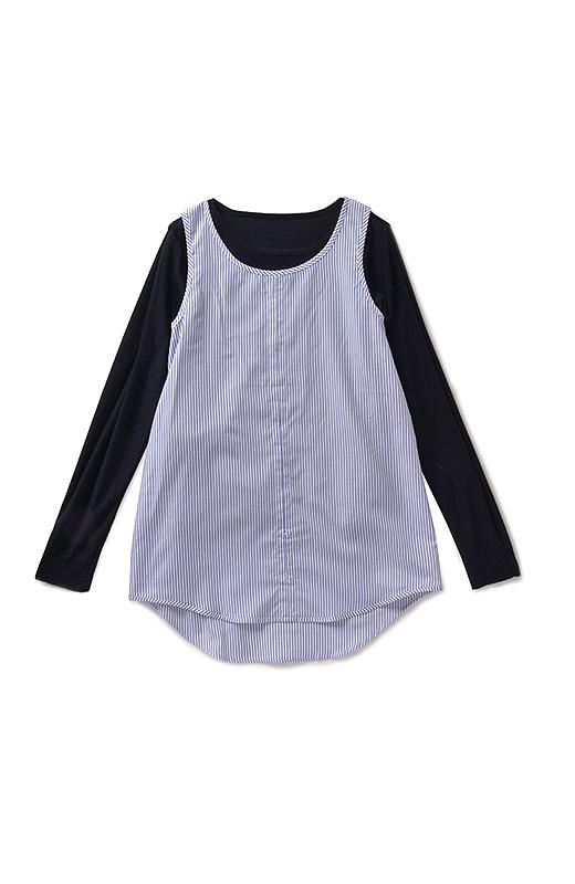 inside ニットと布はくは肩部分でドッキング。自然な重なりですそもきれいなシルエット。