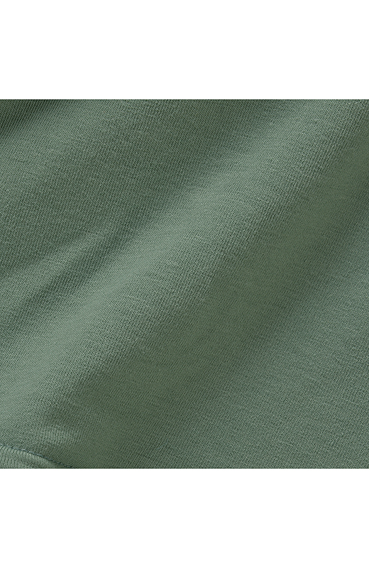 フィット感のあるカットソー部分は汗ばむ季節にうれしい吸汗速乾素材。