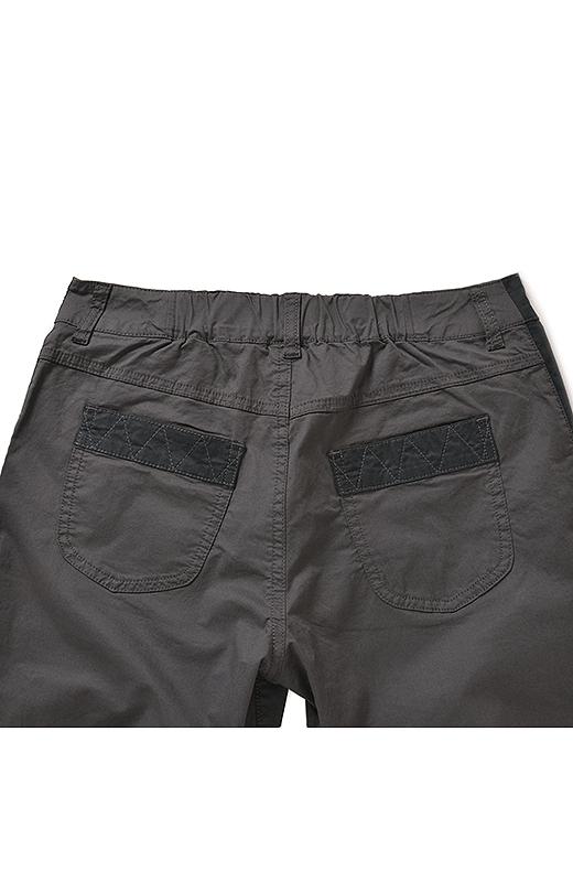 BACK ポケットやすそに少し配色を入れたり、ステッチワークもこだわり。