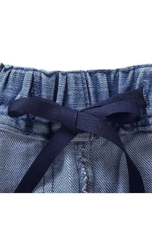 パンツはウエスト総ゴム+内ひも仕様でらくちん快適。