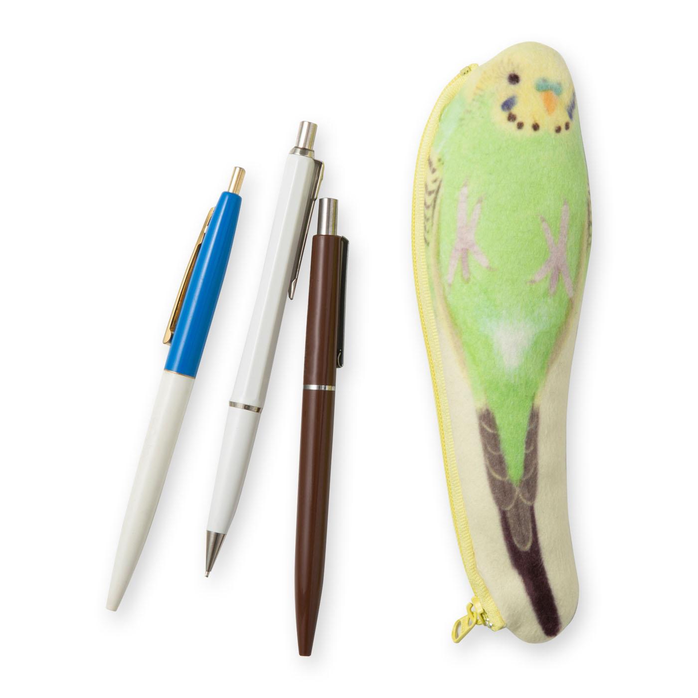 〈セキセイインコ グリーン〉ボールペン2〜3本を入れると、本物のインコとほぼ同じ重さになってリアル。