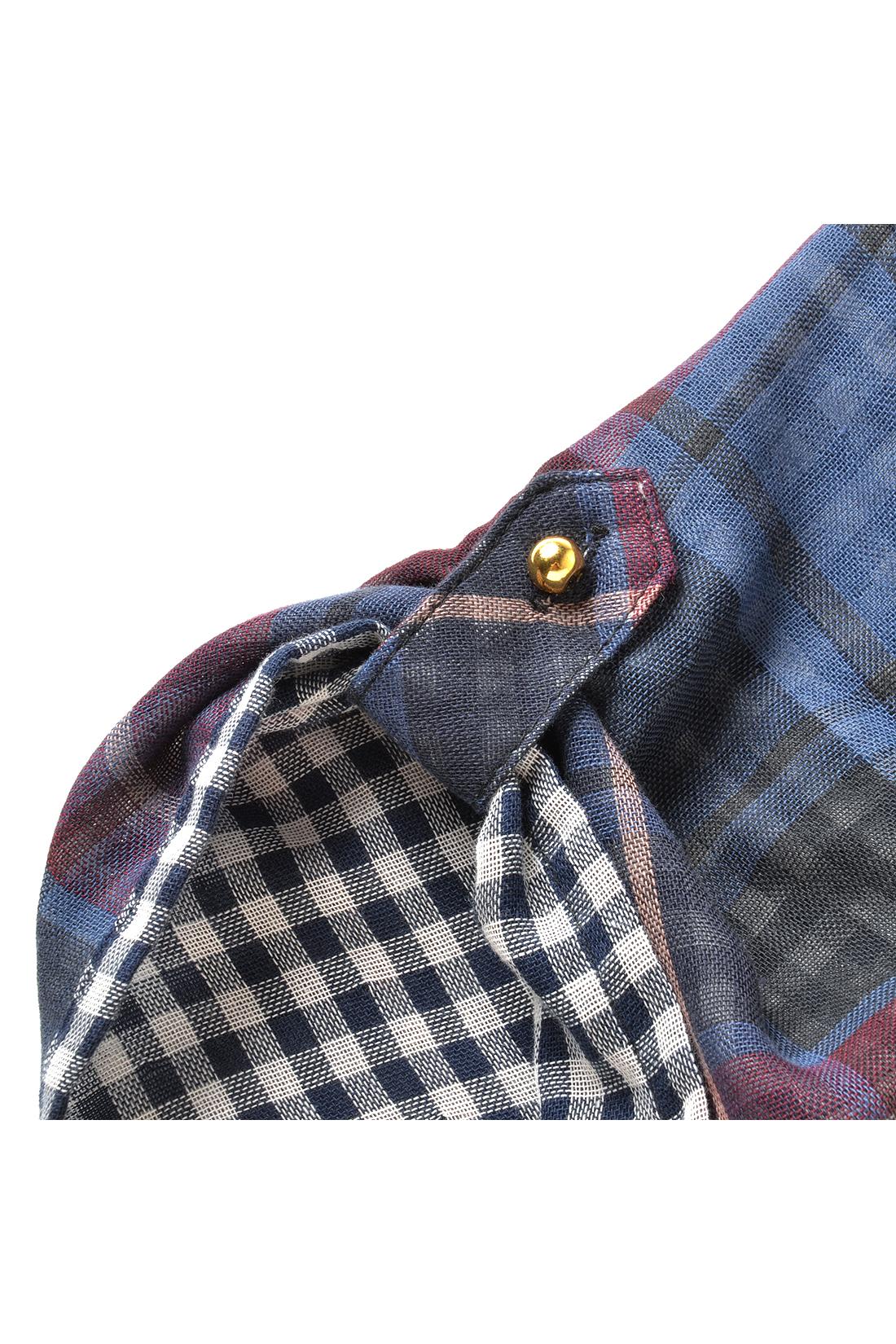 袖はターンアップして表情を変えられる仕様。伸ばせばシンプルに。着こなしに応じてアレンジしてみて。