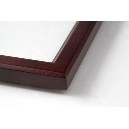 増浦さん自ら選んだ写真が引き立つシンプルな木製フレーム。