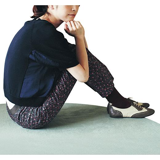 ※着用イメージです。お届けする色柄とは異なります。伸びやすいストレッチ素材だから、タイツの上にはいてもらくちんです。