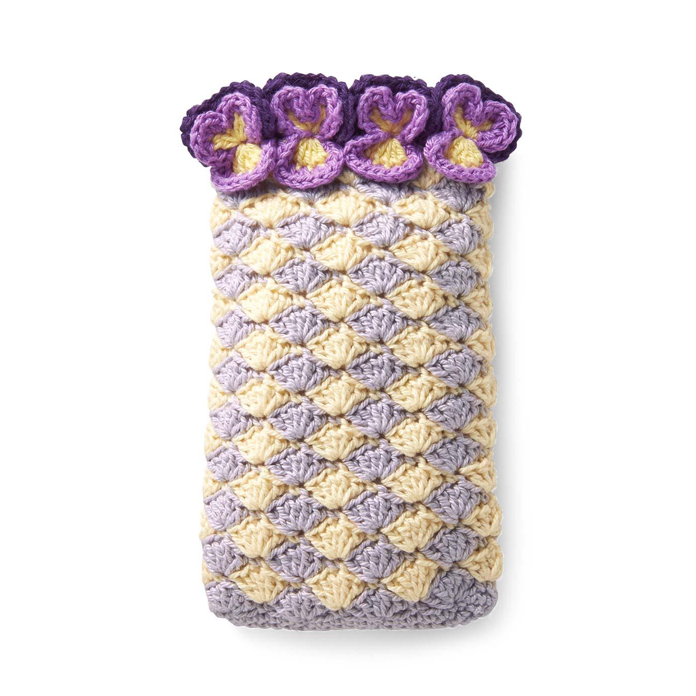 ビオラのモバイルケース【花言葉/誠実】 縦約18cm、横約11cm ※縦14.5cm、横+厚み8cmまでのスマートフォンに対応していますが、形状によっては収まらない場合があります。