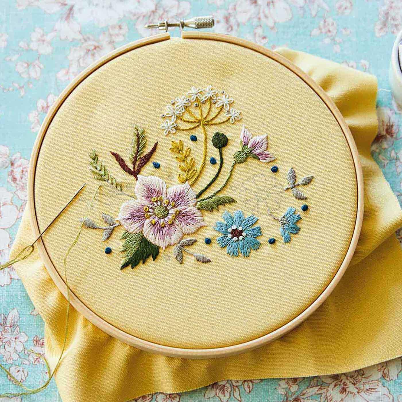フェリシモ 野の花を刺しゅうする 日々の暮らしに使える布小物の会【定期便】