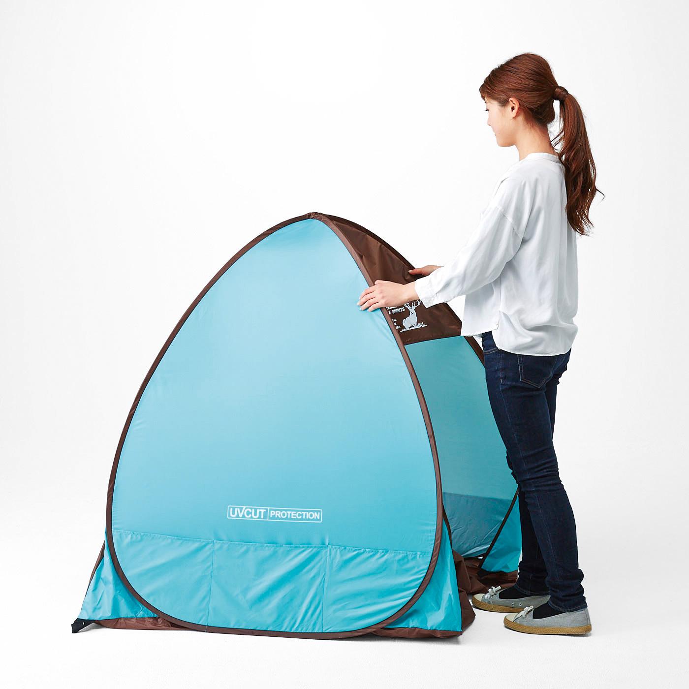 フェリシモ ポン!と設置完了 UVカットで快適 テントみたいなサンシェード