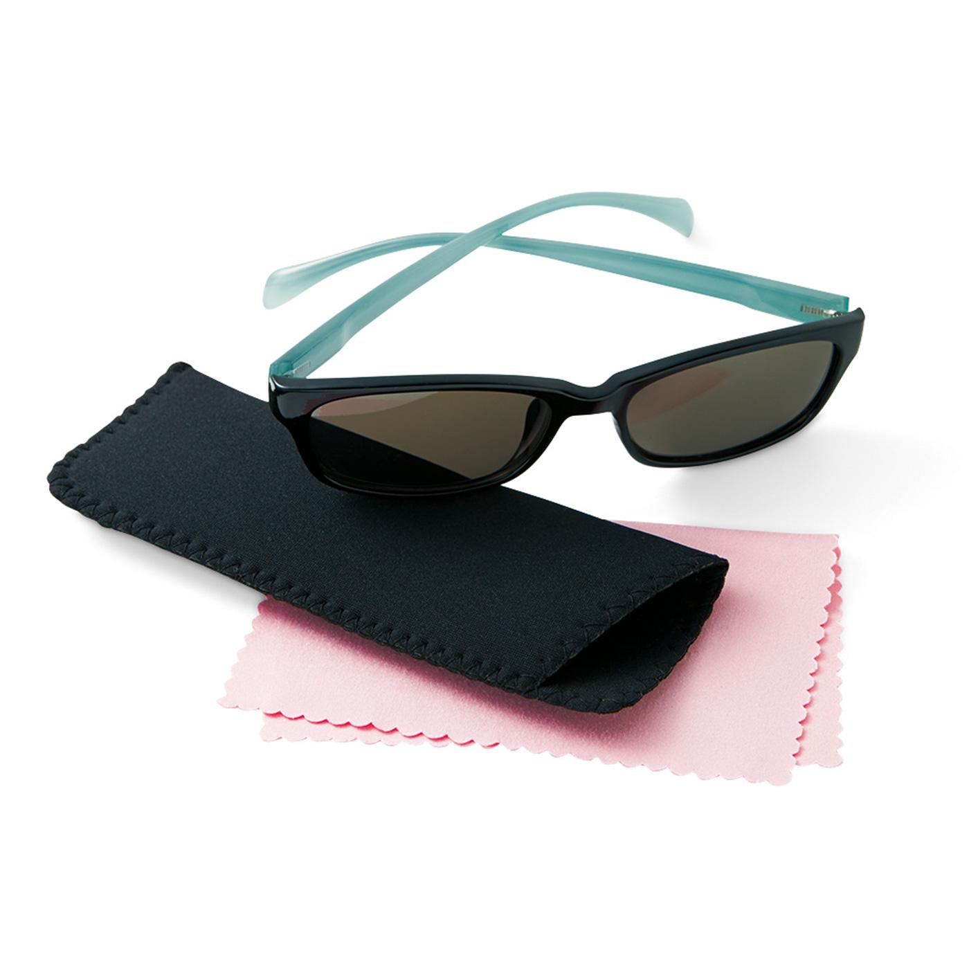 眼鏡ふきクロスとソフトケース付き。●1回のお届けセット例です。