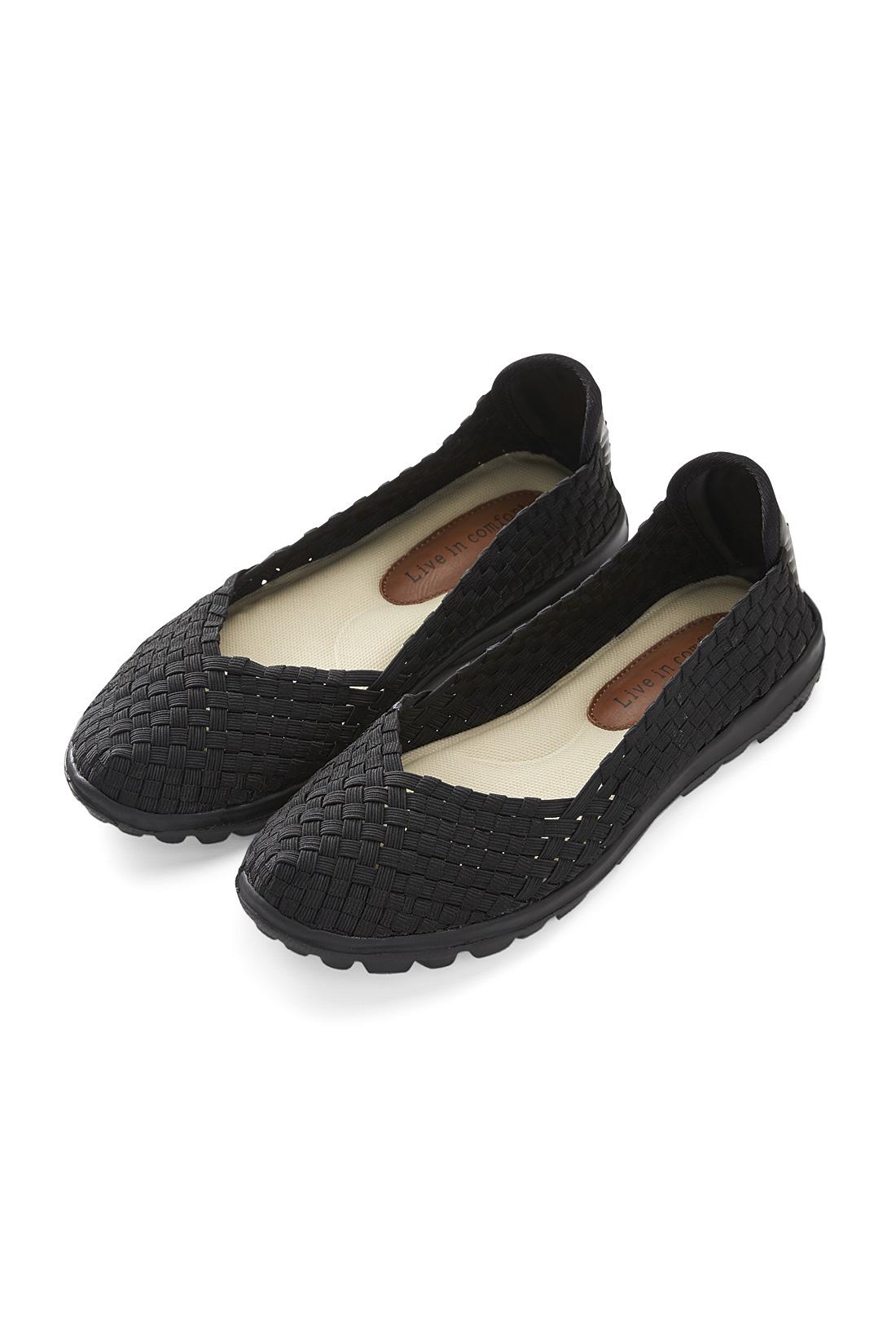 きれいめコーデにも似合う【ブラック】※ソール部分もブラック 素足に履いても気持ちいい、総ゴムのメッシュ仕様。履き口はV字ラインで、足をすっきりキレイ見せ。
