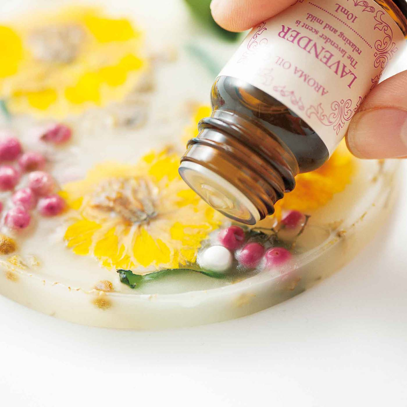 香りが弱くなったらアロマスポットにお手持ちのアロマオイルを足して復活!