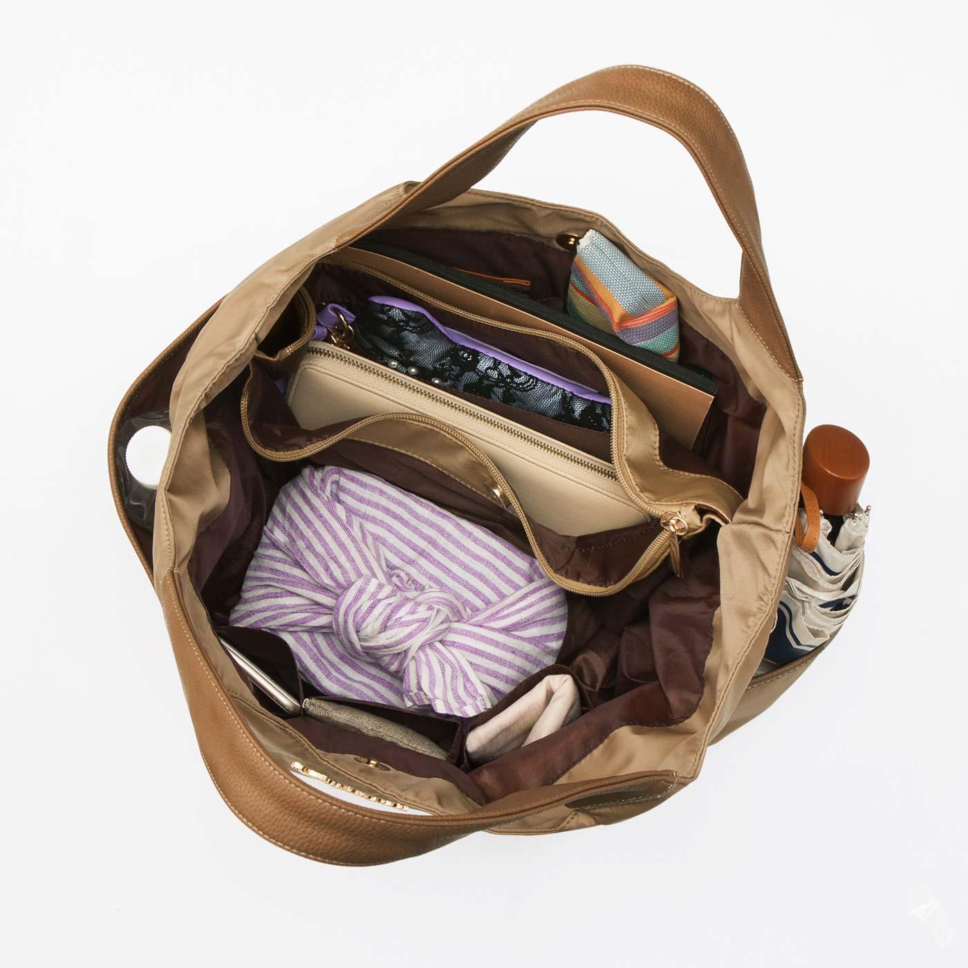 【3部屋構造】 荷物のカテゴリーをざっくり分けられるから中身が混ざりにくくて整理しやすい! 毎日の必需品が全部入りました!