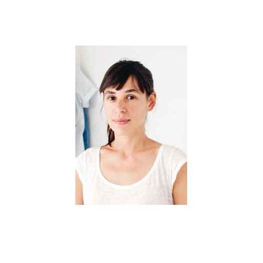 【Isabelle Boinot(イザベル・ボワノ)さん】イラスト、写真、コラージュなど多彩な分野で活躍するパリ在住のアーティスト。ボワノさんの描く、徳島で出会ったモチーフのイラストは独特のタッチ。