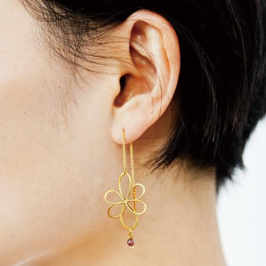イラストレーター 山本祐布子さんと作った 6つの自然が耳もとで揺れる ドローイングラインピアス-