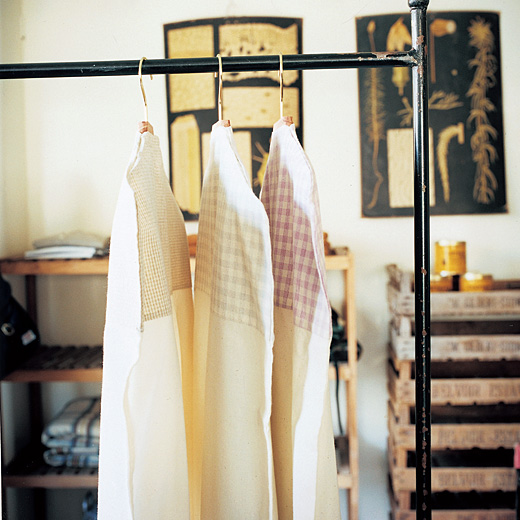 エッセイスト・整理収納アドバイザー 柳沢小実さんと作った 集めて並べて素敵整とん コート&ワンピースにぴったり ロングコットンカバー-