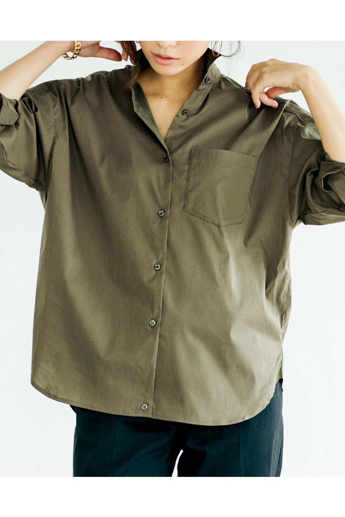 ドロップショルダーとほんのりドルマンシルエットデザイン。 ※お届けするカラー・袖丈とは異なります。