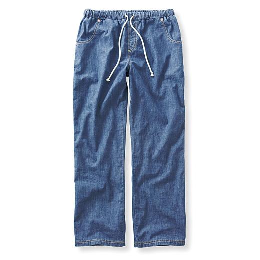 薄くて軽い平織りのデニム素材。ウエストゴム仕様なのでらく。