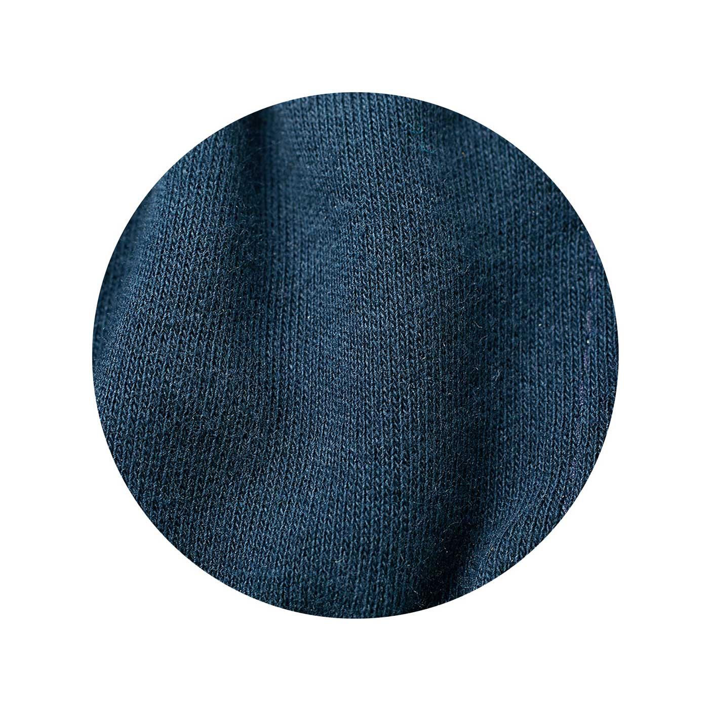 裏生地は綿100%で肌にやさしく。