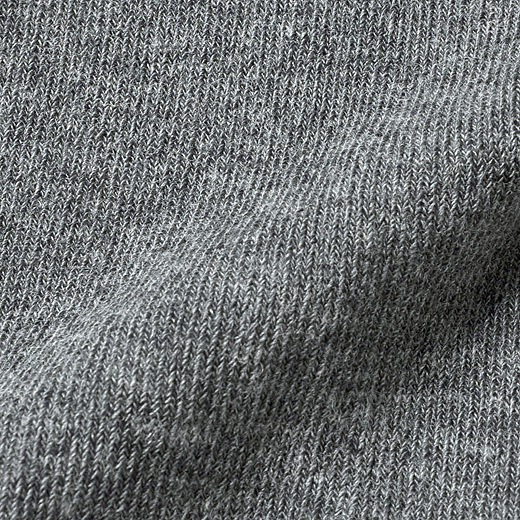 綿70%なので、化繊が苦手な方もやさしい肌心地。
