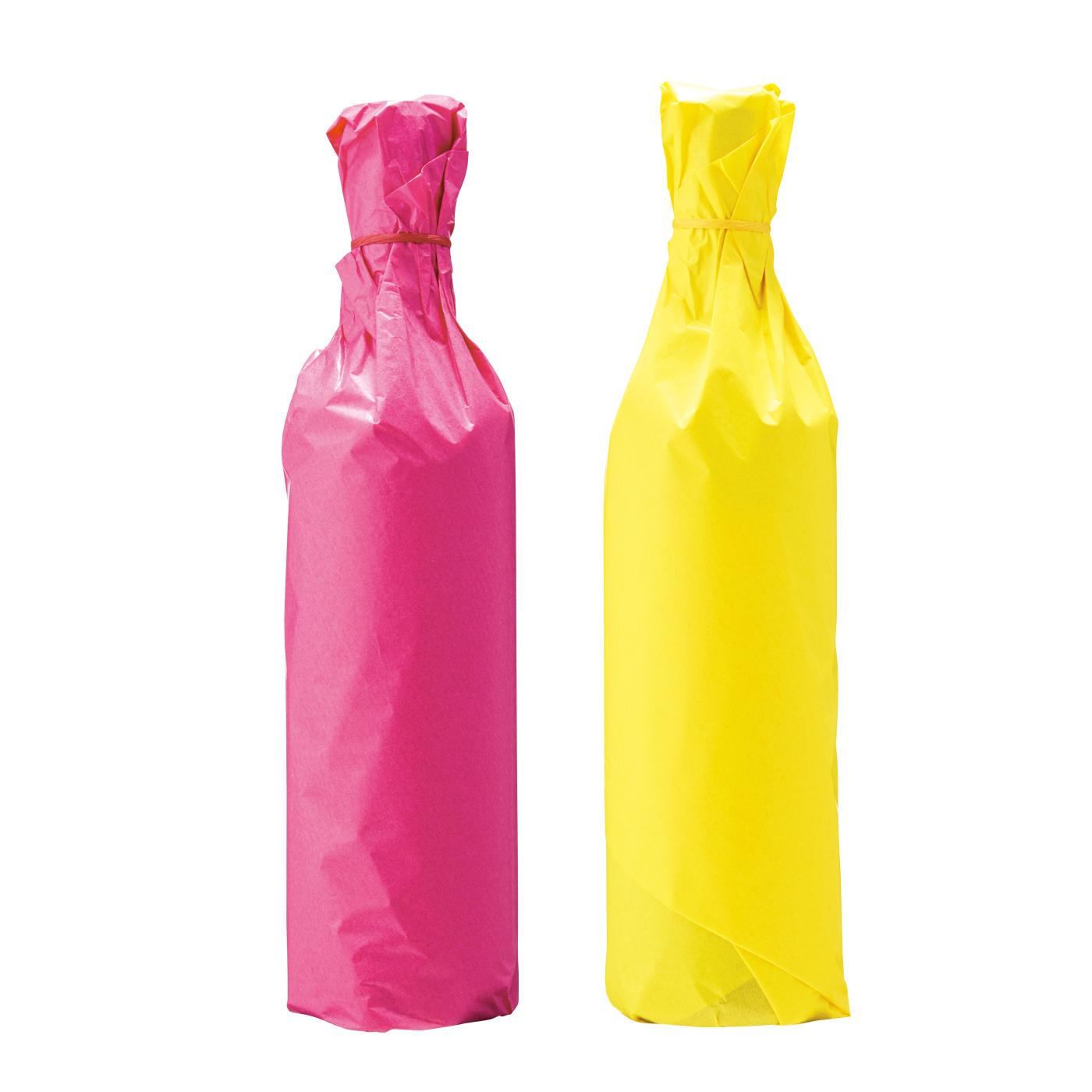 華やかなカラーペーパーのラッピングをほどこして、ギフトボックスに入れてお届けいたします。(左:赤ワイン 右:白ワイン)