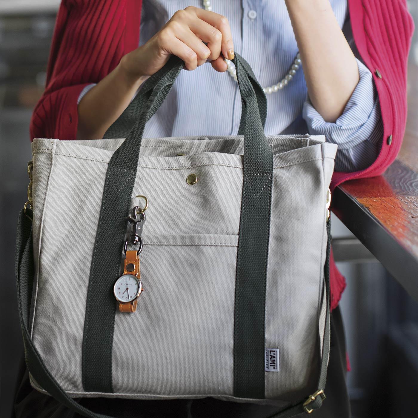 フェリシモ 荷物を放り込むだけでスッキリ仕分け T字形の仕切り付きトートバッグ