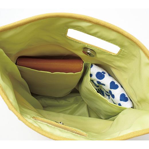バッグインバッグとして、リュックやトートバッグに。