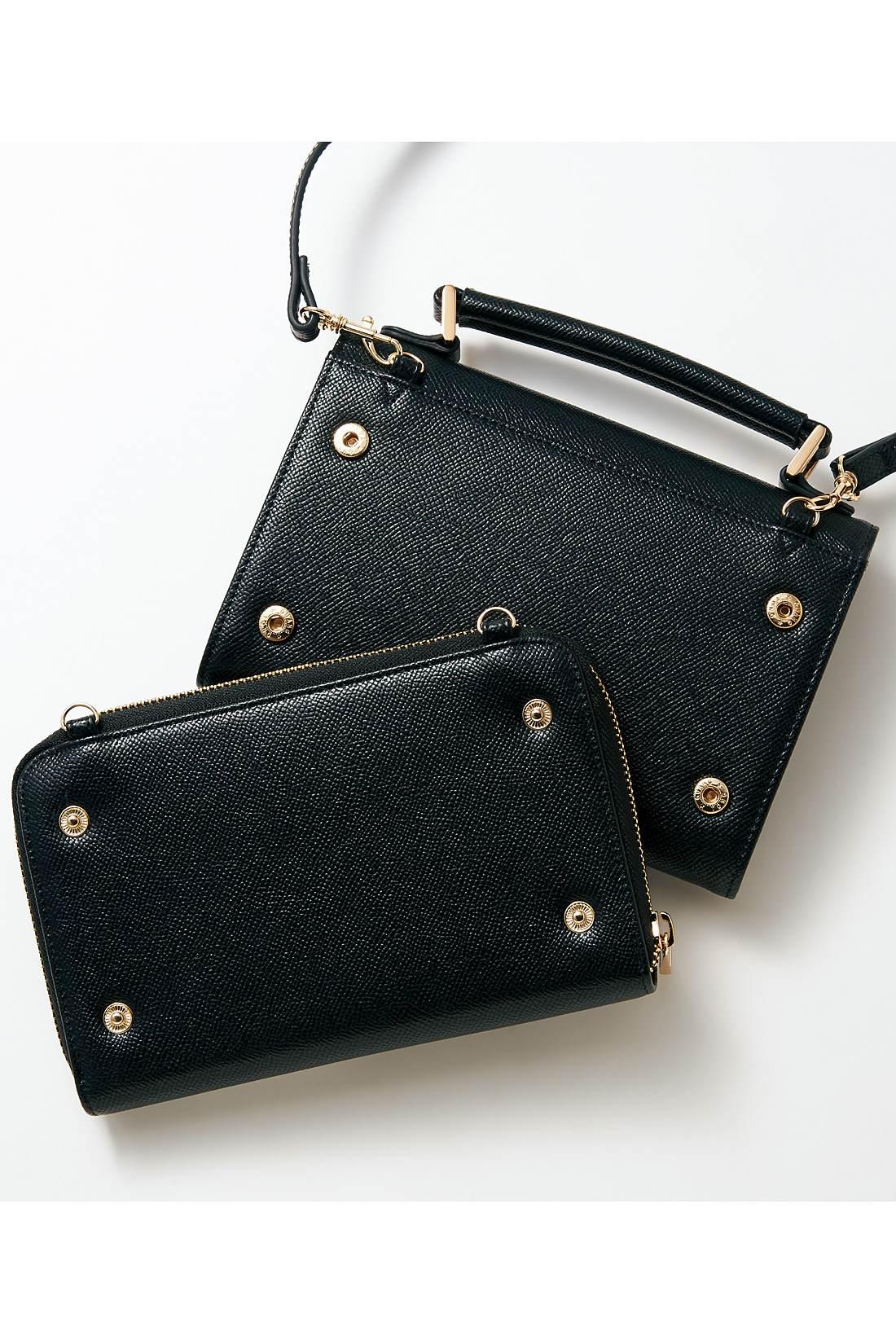 お財布とポシェットがスナップでドッキング。それぞれ単品でも使えます。