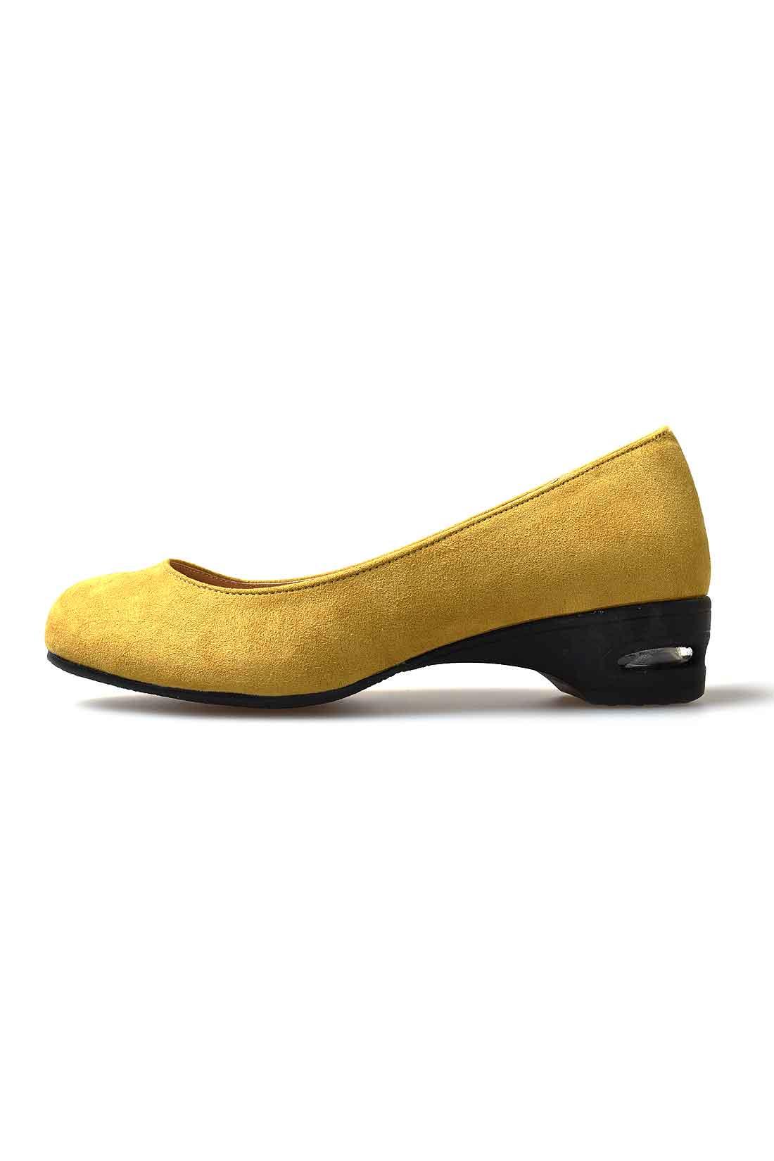 side 歩きやすさと美脚を同時にかなえる約3.5cmヒール。