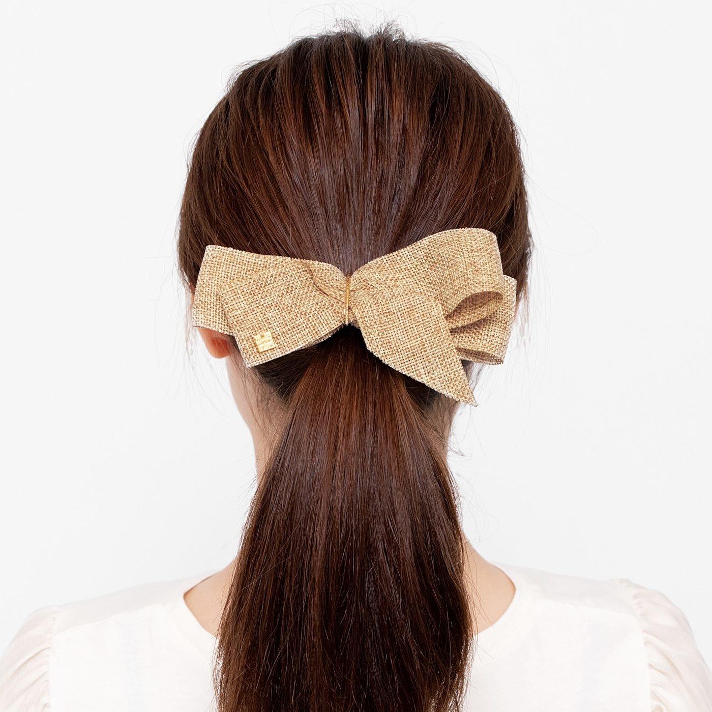 結び目隠してラフなヘアスタイルが決まる ワイヤー入りポニーフックの会
