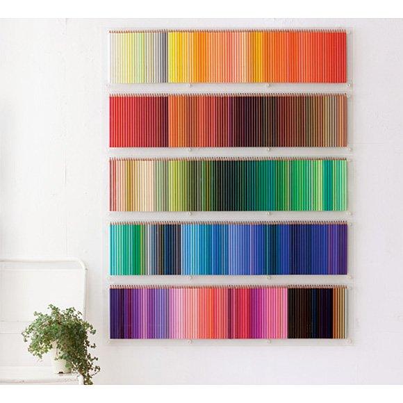 500色のえんぴつを壁一面に! デコラティブラック