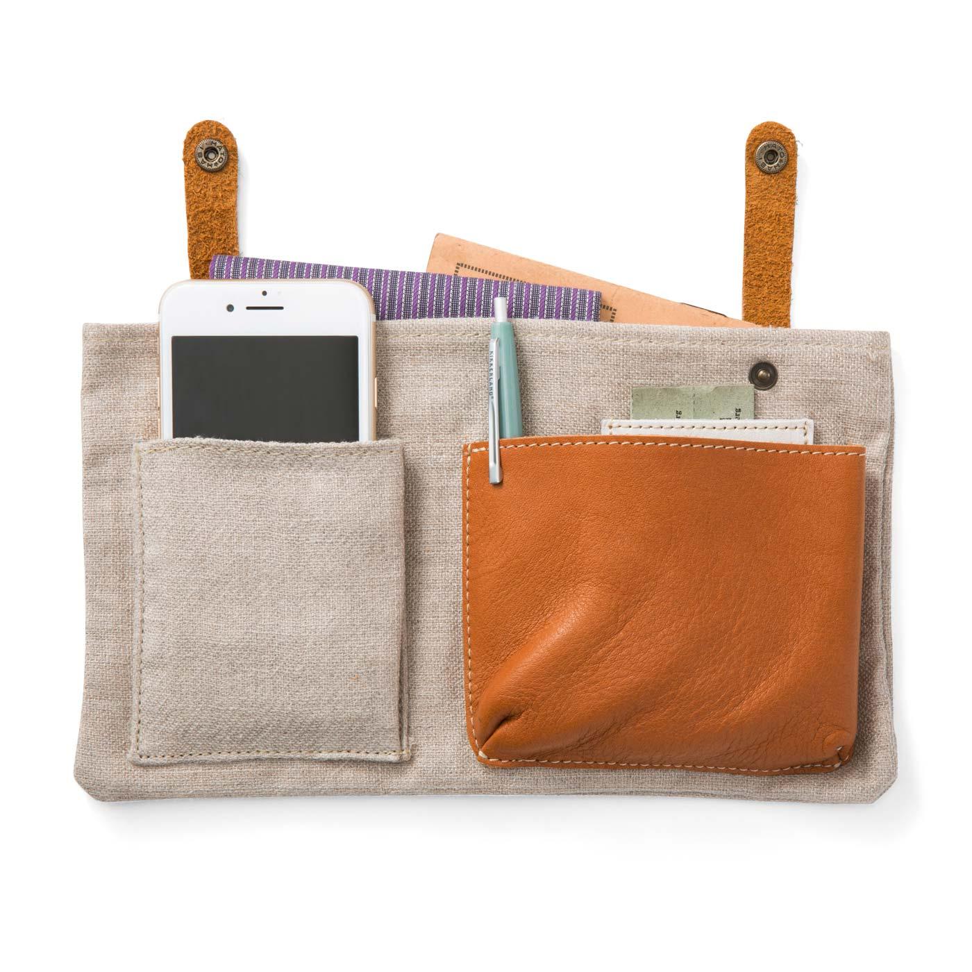 麻素材のインナーポケットは、取り外し可能。バッグインバッグとしても使えます。