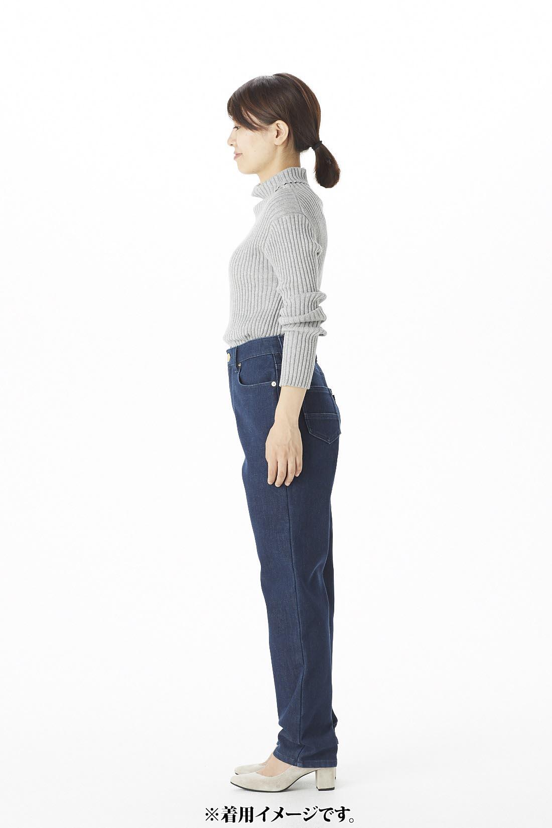 [スタッフ着用]身長158cm トップス:Mサイズ ボトムス:5(ウエスト61)サイズ着用