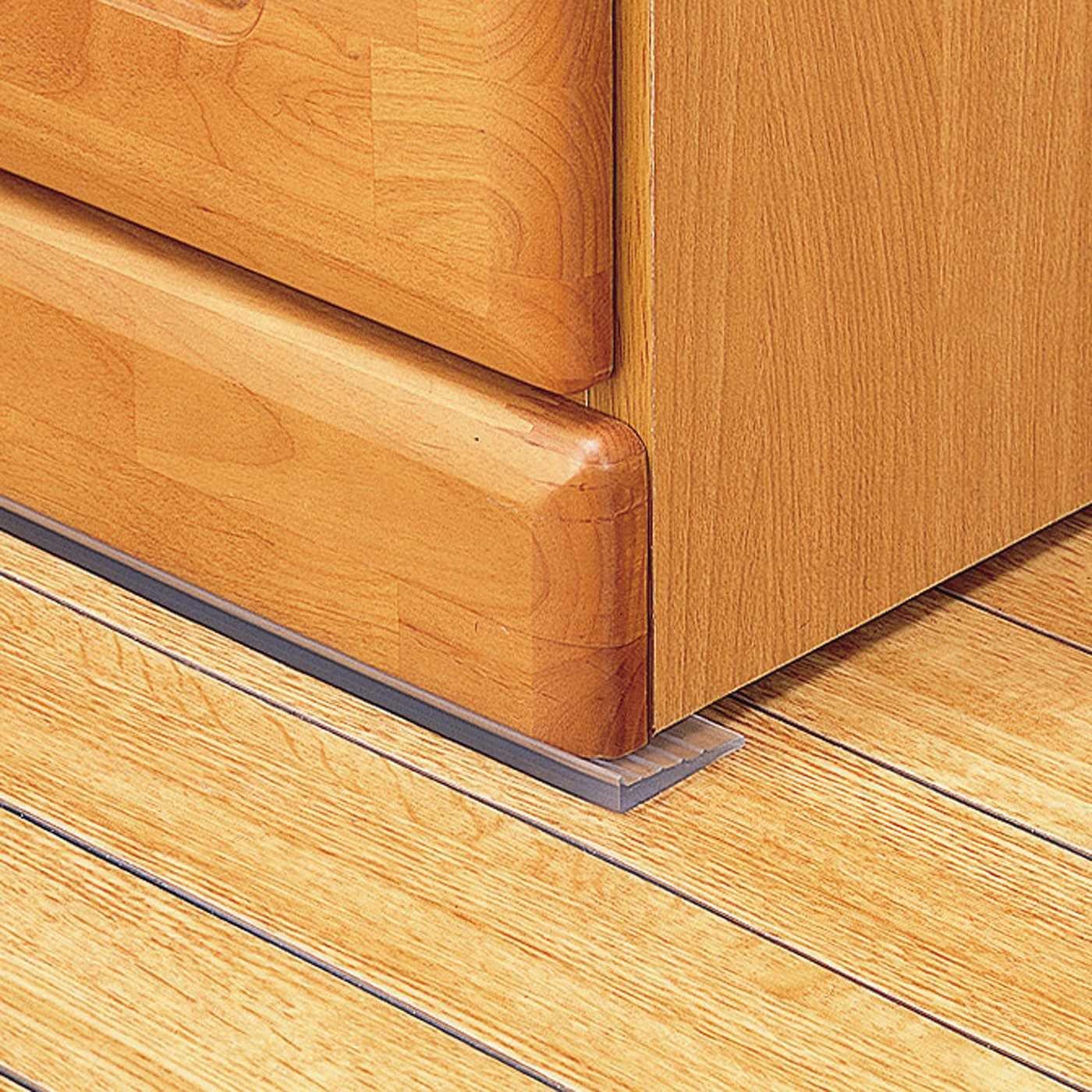 家具の下に挟み込むだけ 転倒防止ストッパー〈90cm〉