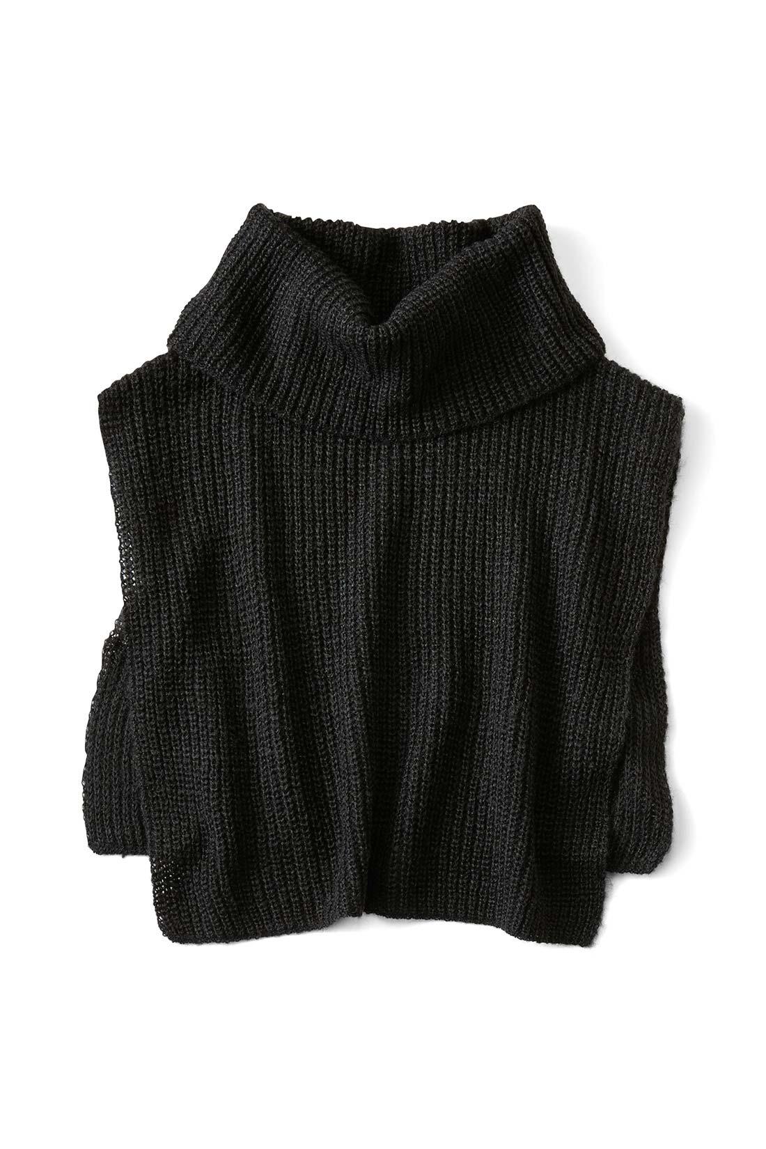どんなコーデにも好相性〈ブラック〉 袖を通さずかぶるだけでOK サイドがつながっていないので、トップスを着てから付けられて、暑くなったらスルッと脱げます。