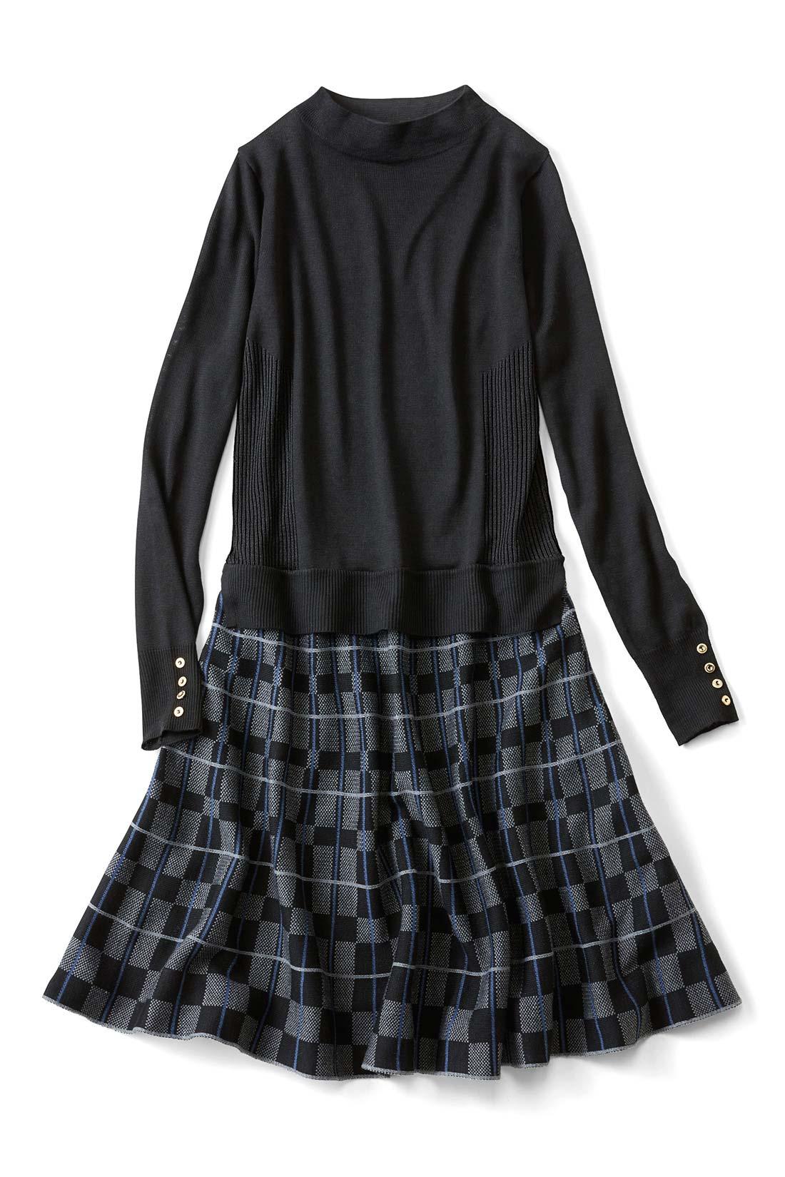 知的シックな〈ブラック〉 スカートは一枚仕立てで、ふんわり360°広がる美シルエット。サイドはリブですっきり見せ効果も。